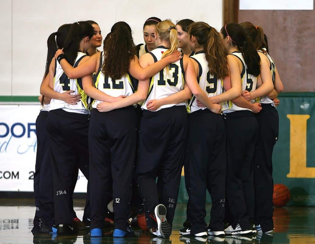 Girls in Team Sports Basketball Benefits